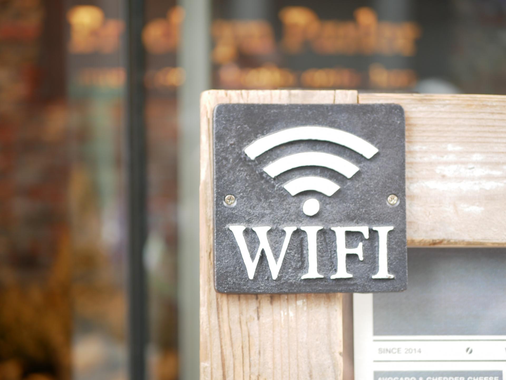 スマホやPCのWiFiが繋がらない原因は?確認すべきポイントと対処方法を解説