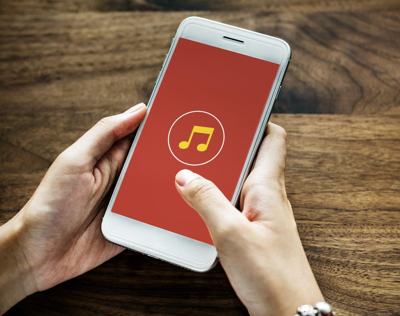 iPhoneで楽しめる音楽系アプリ特集 アプリで音楽の可能性を広げよう!