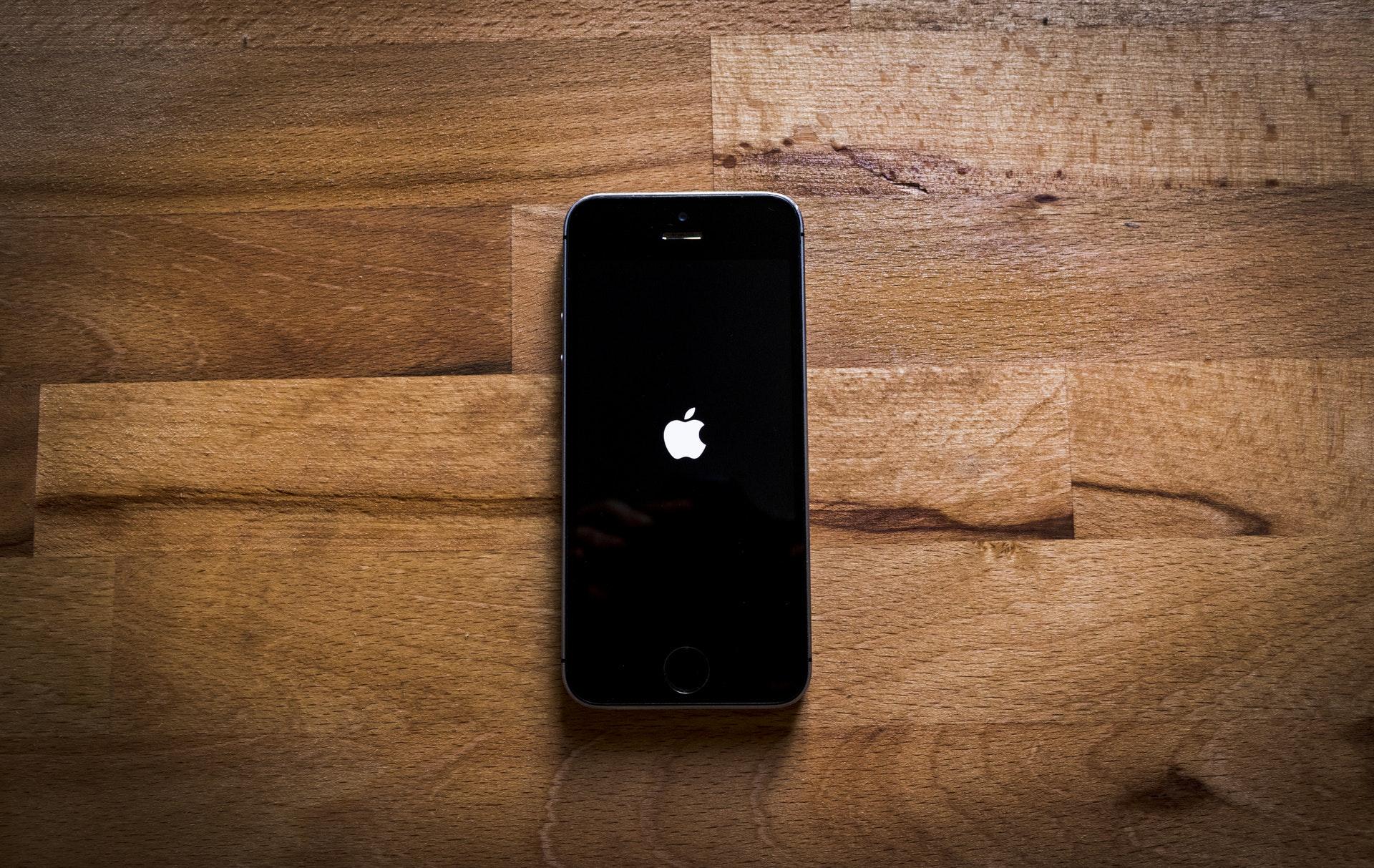 iPhoneの強制終了とは?機種別の強制終了方法まとめ