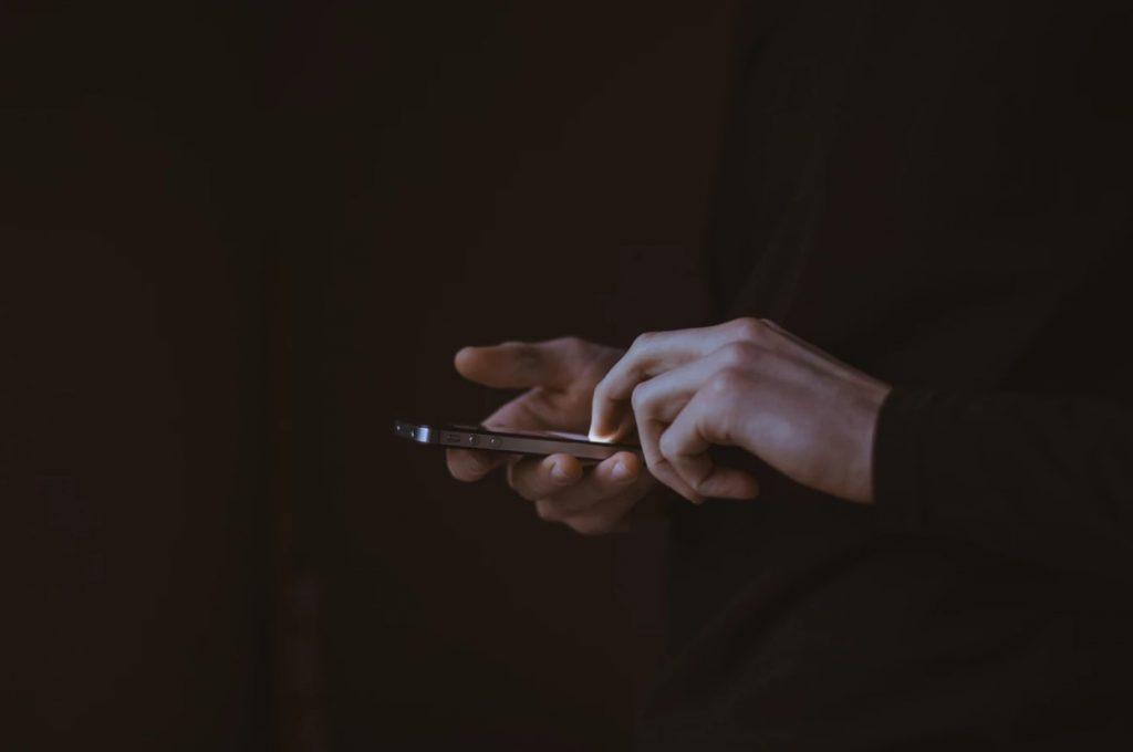 SIMフリーモバイルWiFiルーターおすすめ4選 | 選び方・注意点・メリットもご紹介!