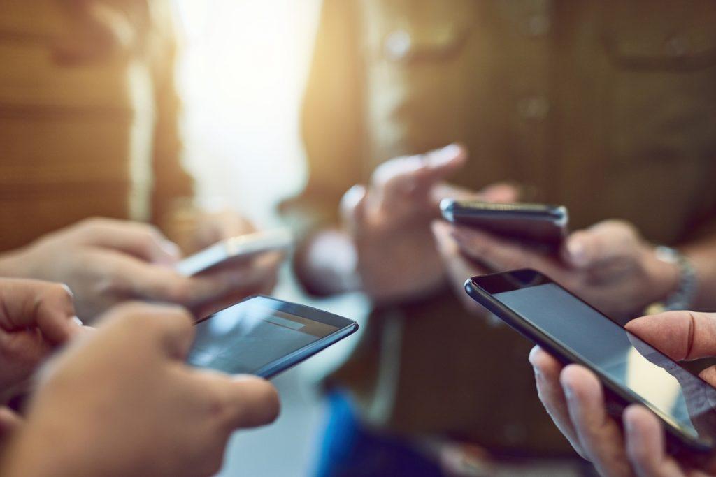格安SIMでテザリング通信がしたい!通信の方法と注意点