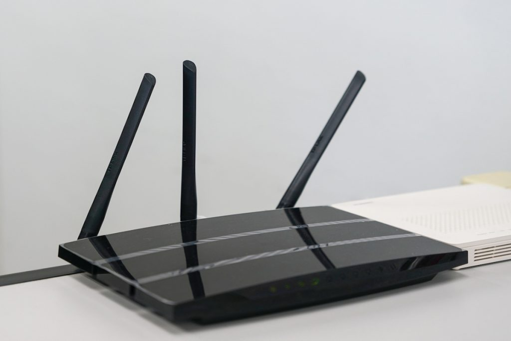 WiFiの電波が届く範囲を広げて快適な無線通信を楽しむ方法