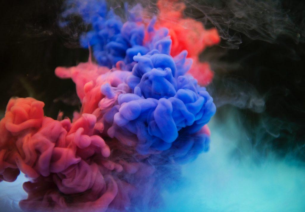iPhoneのおすすめカラーは?人気色・カラー変更方法|iPhone 12の色も紹介!