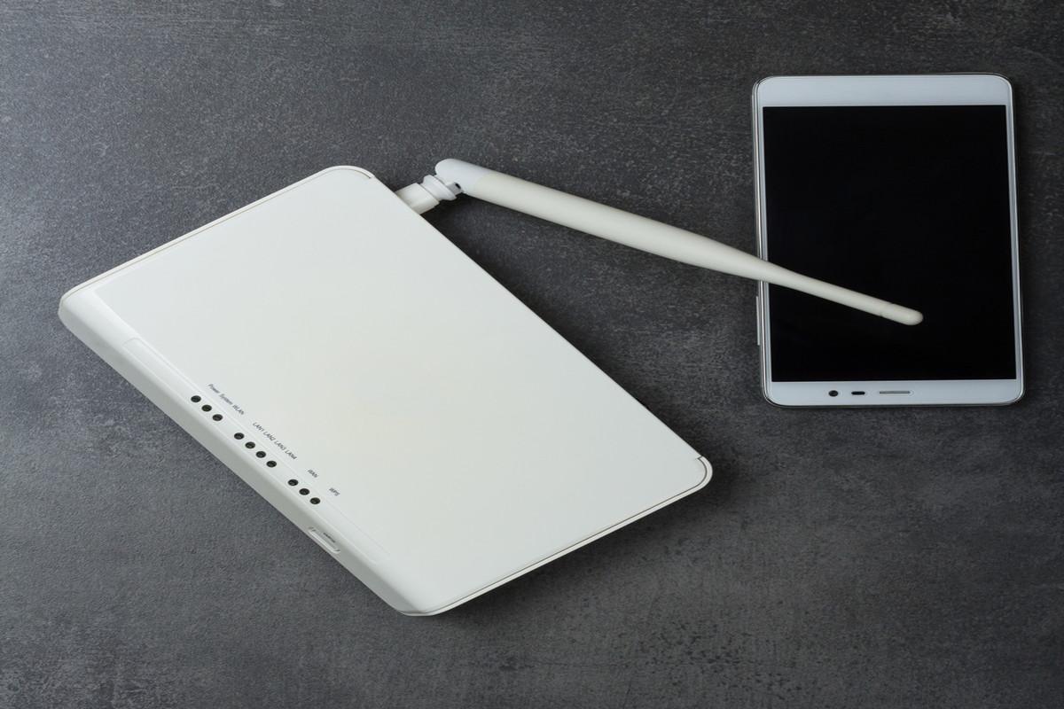 NTTの電話や光回線を解約をする方法|手続きにかかる費用を紹介