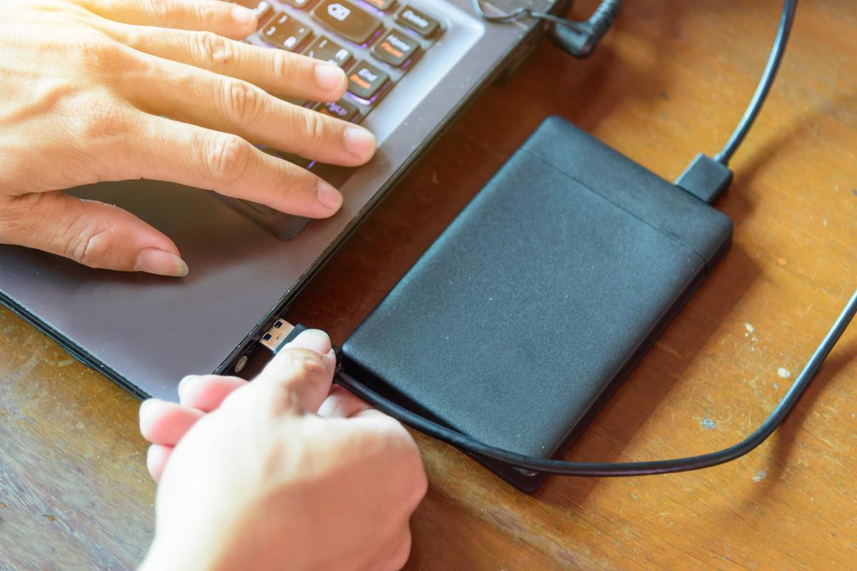 MacBook ProはUSBに接続できない?おすすめUSB−Cハブ6選