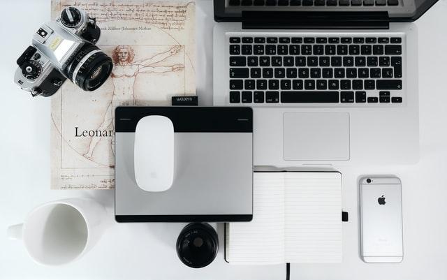 おすすめのiPhoneアクセサリーまとめ Air Podsやおすすめのガラスフィルムやケースをご紹介