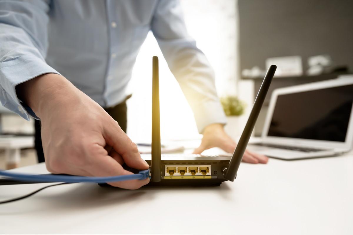 auひかりの初期設定を解説!ルーター(無線LAN)の接続・メール設定の方法