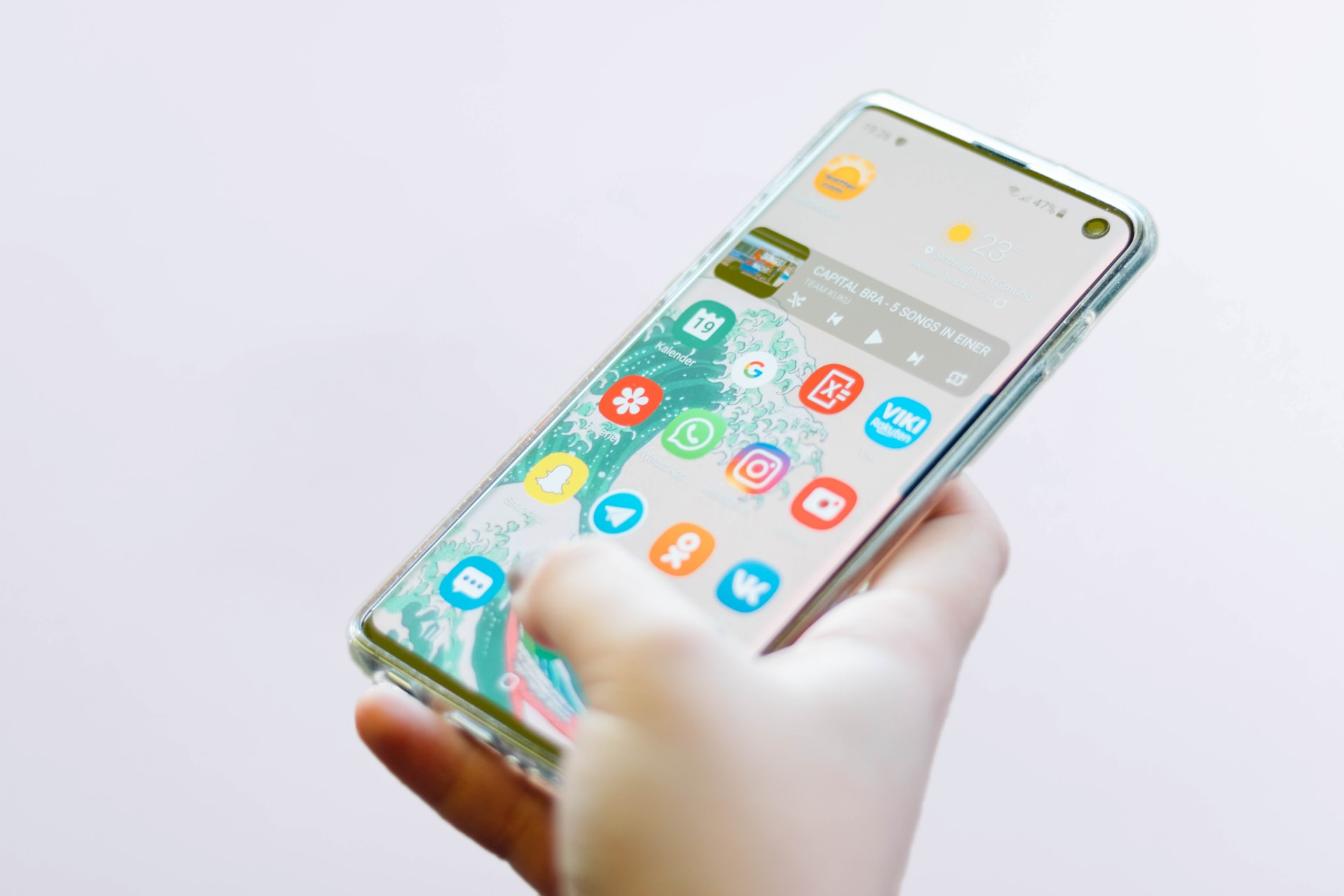LINEモバイルはワンコインで通話やトークが使い放題!気になる料金や特徴を解説